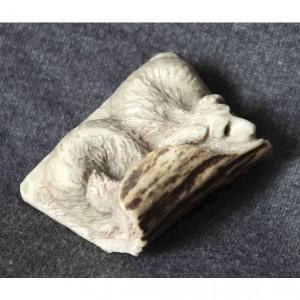Скульптура из рога лося